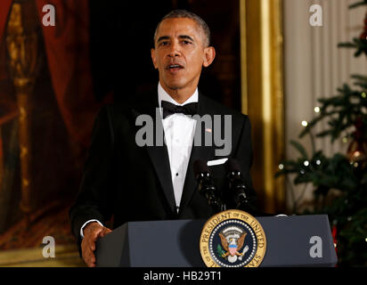 Washington DC, USA. 04th Dec, 2016. United States President Barack Obama delivers remarks at the Kennedy Center - Stock Photo