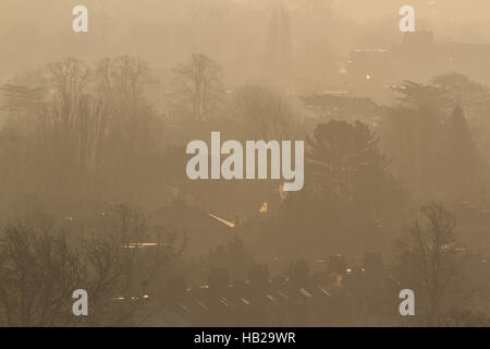 Wimbledon London, UK. 5th Dec, 2016. Wimbledon bathed in hazy autumnal sunshine Credit:  amer ghazzal/Alamy Live - Stock Photo