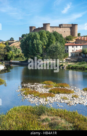 Looking across the River Tormes with the castle in the background, El Barco De Avila, Avila Province, Spain. - Stock Photo