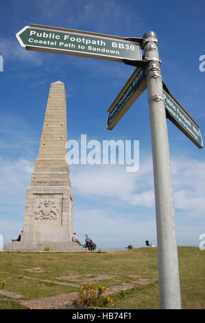 Yarborough Monument on Culver Down on the coastal footpath between Sandown and Bembridge. - Stock Photo