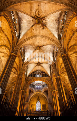 Spain, Barcelona, Cathedral of the Holy Cross and Saint Eulalia Gothic interior - Stock Photo