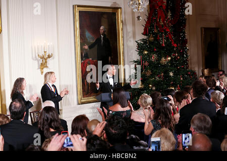 Washington DC, USA. 04th Dec, 2016. Us President Barack Obama delivers remarks at an event for the 2016 Kennedy - Stock Photo