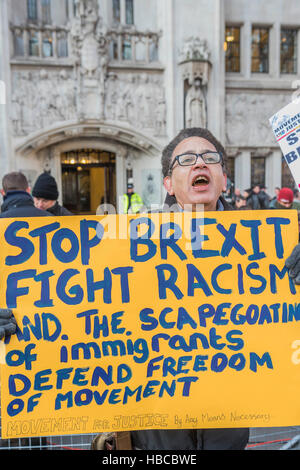 London, UK. 5th Dec, 2016. Remain campaigners from the Movement for Justice - The Supreme Court starts its hearing - Stock Photo