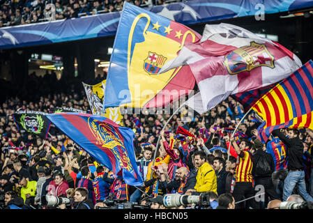Barcelona, Catalonia, Spain. 6th December, 2016. The fans of the FC Barcelona celebrate their team during the Champions - Stock Photo