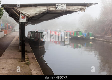 Canals on the Trent & Mersey Canal, Middlewich, Cheshire - Stock Photo