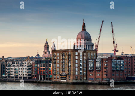 St Paul's Cathedral and Riverside Apartments, London, England - Stock Photo