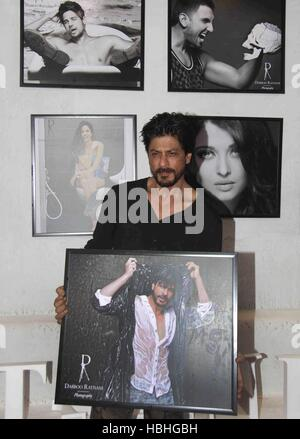 Bollywood actor Shahrukh Khan during annual calendar launch of fashion photographer Dabboo Ratnani in Mumbai - Stock Photo