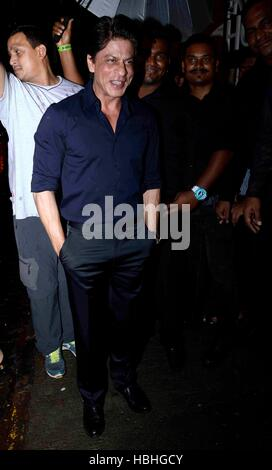 Bollywood actor Shahrukh Khan during the birthday celebrations of Bollywood filmmaker Anand L Rai in Mumbai - Stock Photo