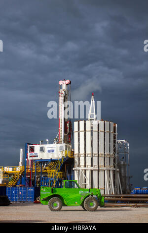Cuadrilla Resources vehicles drilling equipment & Carousel at Presse Hall Shale Gas Drill Site,   Blackpool, Lancashire, - Stock Photo