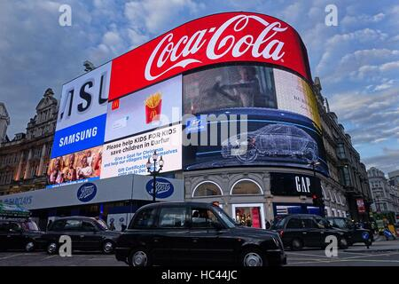 7th December 2016, London UK. The famous electronic advertising hoardings in Piccadilly Circus are to be be given - Stock Photo