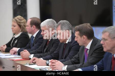 Moscow, Russia. 07th Dec, 2016. Russian government ministers during a meeting of the permanent members of the Security - Stock Photo