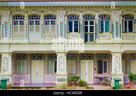 Restored shophouses in Singapore - Stock Photo