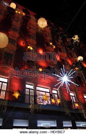 hotel majestic fachada con adornos navideos noche barcelona paseo de gracia espaa