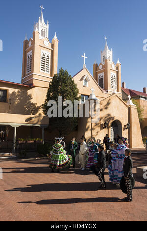 New Mexico, Albuquerque, Old Town, folklorico dancers in free public performance - Stock Photo