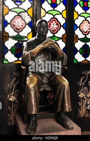 Wong Fei Hung, Chinese martial artist, physician, and folk hero, bronze statue, Memorial Museum, Foshan, Guangdong, - Stock Photo