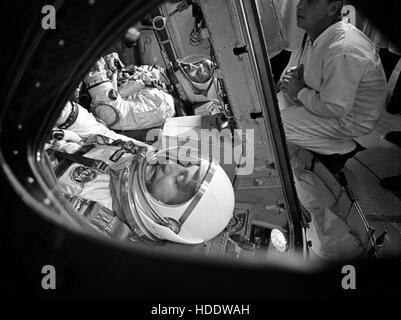 NASA Gemini-Titan 3 prime crew astronauts John Young (left) and Gus Grissom in the Gemini-Titan 3 spacecraft during - Stock Photo