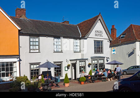The Angel Hotel in the main square, Lavenham, Suffolk. A picturesque historic village. - Stock Photo