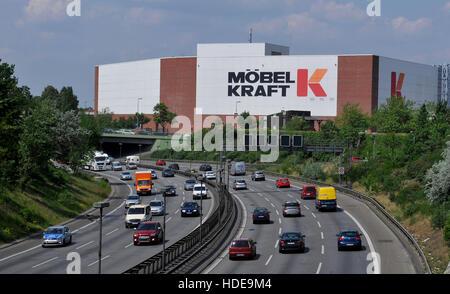stadtautobahn a 100 kraft moebelhaus sachsendamm schoeneberg stockfoto lizenzfreies bild. Black Bedroom Furniture Sets. Home Design Ideas