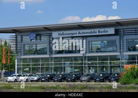 Volkswagen Automobile, Am Juliusturm, Spandau, Berlin, Deutschland - Stock Photo