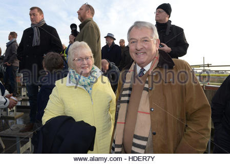 HMS Illustrious leaves Portsmouth for the last time, Admiral Sir Jonathon Band with wife Sarah - Stock Photo