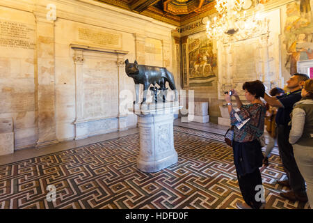 ROME, ITALY - OCTOBER 31, 2016: tourists in room of Capitoline Museums in Palazzo dei Conservatori (Palace of the - Stock Photo