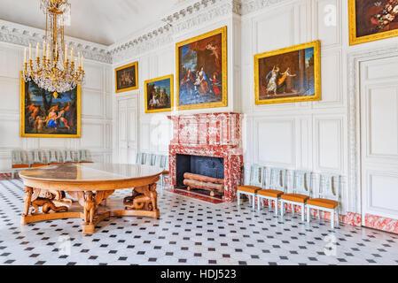 Interior of living room of versailles at versailles palace for Salon de versailles 2016