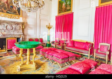 Gold plated mirror in castle st emmeram at regensburg for Salon de versailles 2016