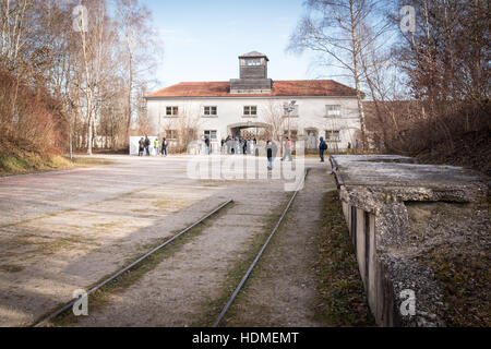 Dachau, Germany. 09th Dec, 2016. An inside view of the main gate building (jourhouse) at Dachau concentration camp - Stock Photo