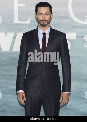 London, UK. 13th Dec, 2016. Riz Ahmed attends the Launch Event of ROGUE ONE: A STAR WARS STORY at Tate Modern, in - Stock Photo
