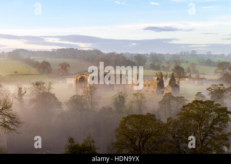 Egglestone Abbey, Barnard Castle, Teesdale, County Durham, UK. 14th December 2016. UK Weather.  A cool and foggy - Stock Photo