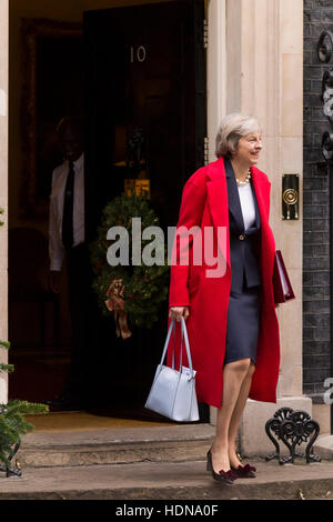 London, UK. 14th December, 2016. Theresa May, the British Prime Minister, leaving 10 Downing Street the official - Stock Photo