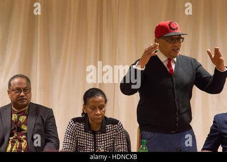 London, UK. 14th December, 2016. Lee Jasper  speaking at the'Defend our activists' Brixton public meeting in response - Stock Photo