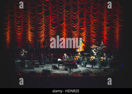 Turin, Italy. 12th Dec, 2016. Paolo Conte performing live at Teatro Regio for a charity concert in memory of Alberto - Stock Photo