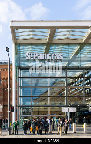 St Pancras International railway station. - Stock Photo