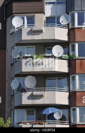 Satellitenantennen, Kiehlufer, Neukoelln, Berlin, Deutschland - Stock Photo