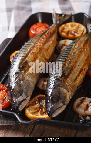 Cooking fresh fish fried bbq with a delicious crispy for Pan grilled fish