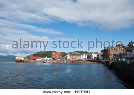Looking across the Bay to the boats moored in the harbour, Oban, Scotland - Stock Photo