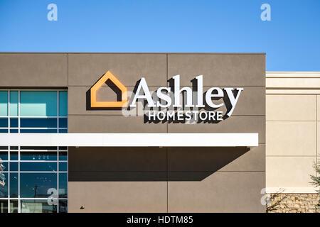 Ashley Homestore, a decor and furniture store on Memorial road in north Oklahoma City, Oklahoma, USA. - Stock Photo