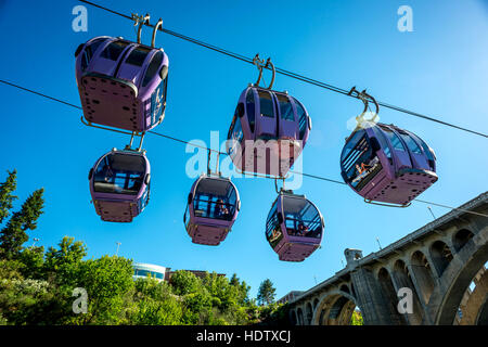 Cable cars on the Riverfront Park development in downtown Spokane on the Spokane Falls SkyRide - Stock Photo