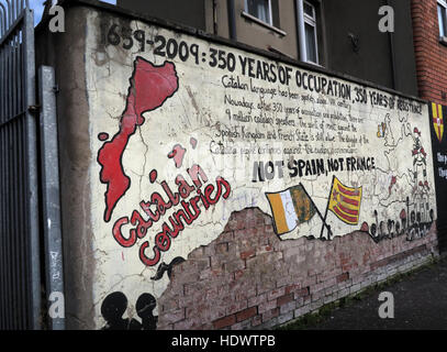 Belfast Falls Rd Republican Mural- Catalan Solidarity - Stock Photo