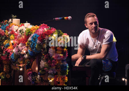 Chris Martin, band member of Coldplay, appears on the Italian television show, 'Che tempo che fa'  Featuring: Chris - Stock Photo