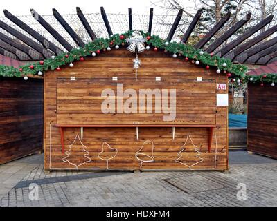 retail outlet at Christmas - Stock Photo