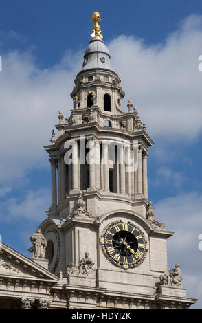 St Paul's Cathedral, London. By Sir Christopher Wren,  1675-1710.  With Nicholas Hawksmoor. South west tower with - Stock Photo
