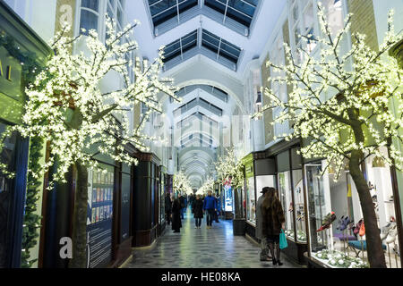 London, UK. 16th December 2016. Christmas Decorations in Burlington Arcade Piccadilly,London. © claire doherty/Alamy - Stock Photo