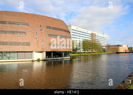 Smitsborg Data Centre at Zernike University campus in Groningen, Netherlands. In Back Duisenberg Building - Economics - Stock Photo