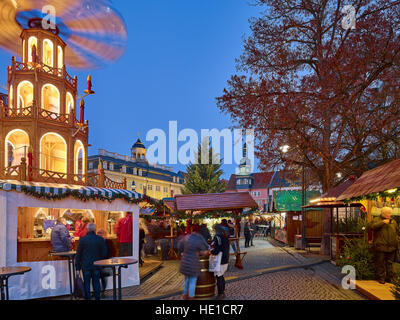 Christmas market with castle and town hall, Eisenach, Thuringia, Germany - Stock Photo