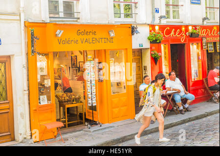 chez marie restaurant montmartre rue gabrielle paris france stock photo 13049544 alamy. Black Bedroom Furniture Sets. Home Design Ideas