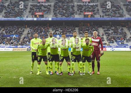Oviedo, Asturias, Spain. 17th December, 2016. Cordoba players pose before the Liga 123 match between Real Oviedo - Stock Photo