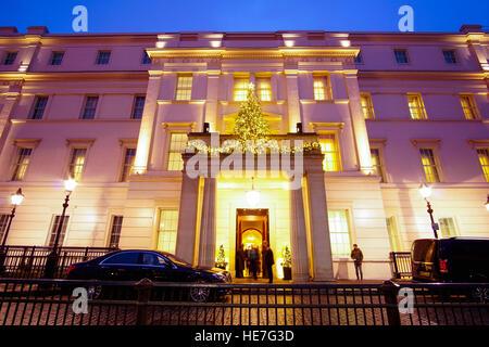 Main Entrance of Lanesborough hotel in London - Stock Photo