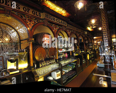 Inside the Famous Crown Bar,Gt Victoria St,Belfast - Stock Photo